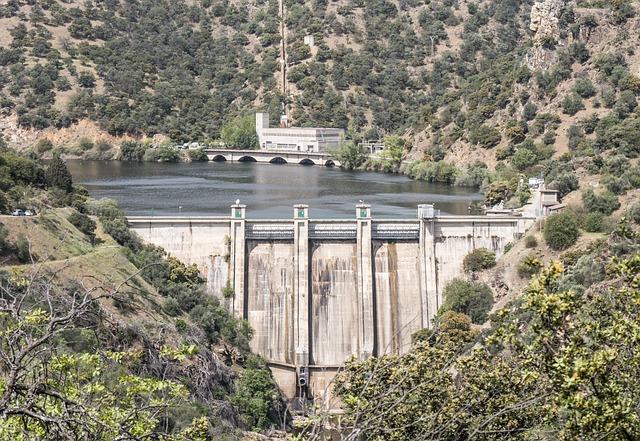 dam-2235173_640